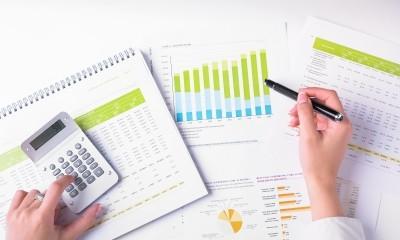 quatro dicas de investimentos para iniciantes - acompanhe os investimentos - Seu Guia de Investimentos