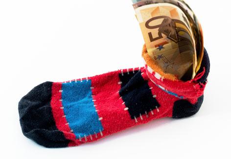 Dicas de como poupar dinheiro - pé de meia - Seu Guia de Investimentos